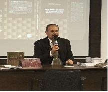 Imagem: Professor Gustavo Abrahão dos Santos lança livro