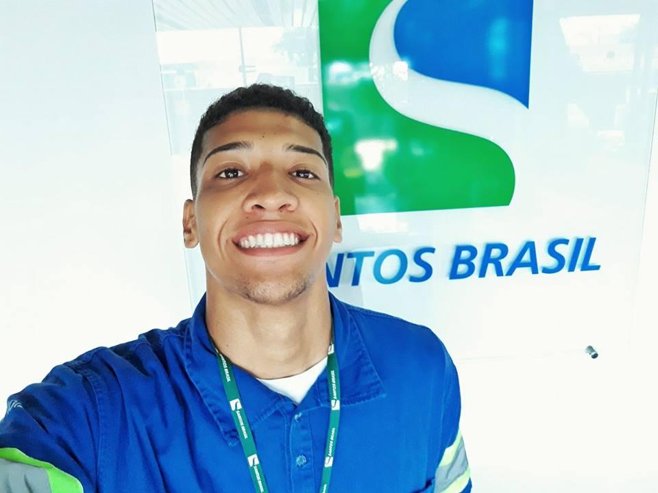 Notícia: Ex aluno de Gestão Portuária entra na Santos Brasil Logística